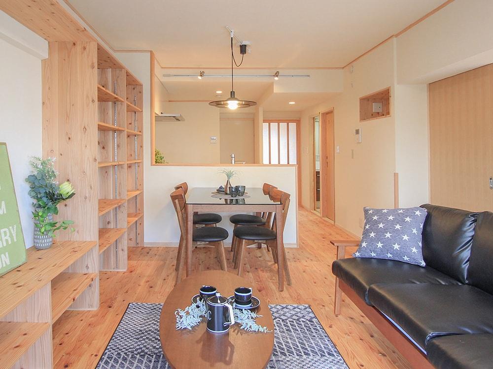 木箱 Atago|リビングとキッチンの写真
